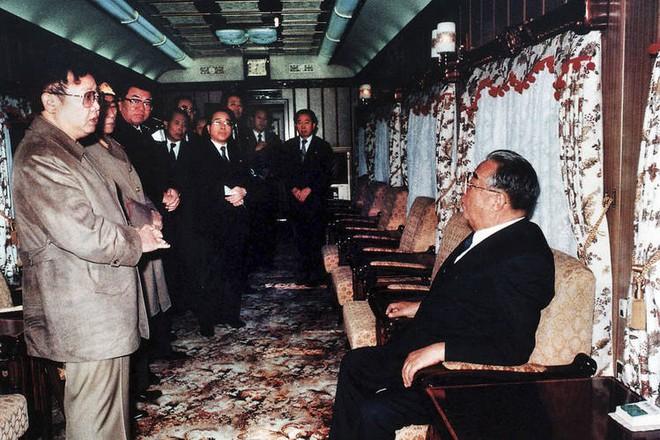 Chủ tịch Triều Tiên Kim Jong-un chọn đi tàu hỏa đến Việt Nam để thể hiện lòng tự hào dân tộc - Ảnh 3.