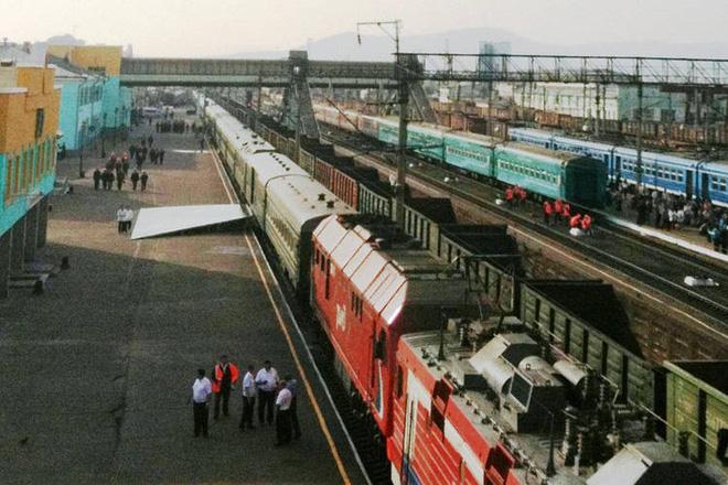 Chủ tịch Triều Tiên Kim Jong-un chọn đi tàu hỏa đến Việt Nam để thể hiện lòng tự hào dân tộc - Ảnh 6.