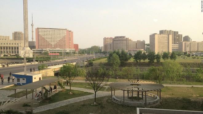 Bên trong căn hộ cao cấp 200 m2 ở thủ đô Bình Nhưỡng, Triều Tiên - Ảnh 1.