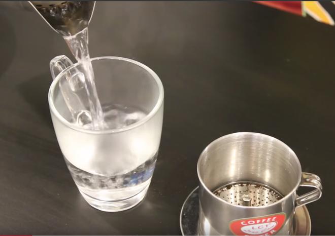 Cách pha cà phê trứng đúng chuẩn - đồ uống được phục vụ tại hội nghị thượng đỉnh Mỹ Triều - Ảnh 2.