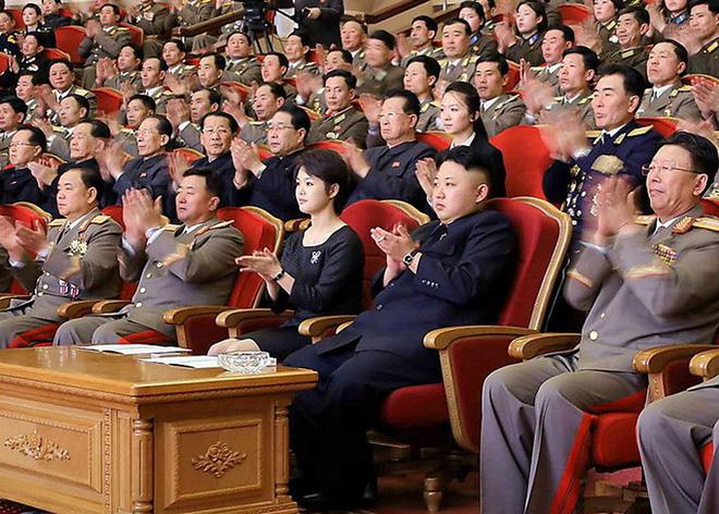 Vợ Chủ tịch Kim Jong Un - đệ nhất phu nhân của Triều Tiên xinh đẹp và bí ẩn thế nào? - Ảnh 9.