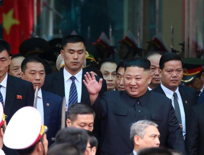 Nhận diện những gương mặt đặc biệt trong phòng tuyến cuối cùng bảo vệ chủ tịch Kim Jong Un - Ảnh 3.