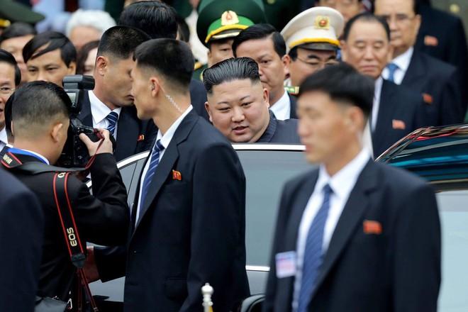 Nhận diện những gương mặt đặc biệt trong phòng tuyến cuối cùng bảo vệ chủ tịch Kim Jong Un - Ảnh 9.