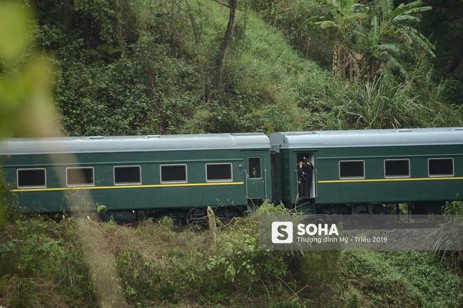 [ẢNH] Những hình ảnh đầu tiên về đoàn tàu bọc thép của ông Kim Jong Un tại Việt Nam - Ảnh 7.