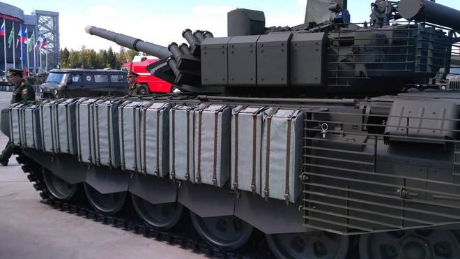 Áo giáp siêu độc đáo trang bị cho tăng T-80BVM, áp dụng được cho cả T-90S/SK? - Ảnh 2.
