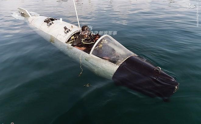 Lộ diện tàu ngầm mini siêu độc đáo của Hải quân Iran