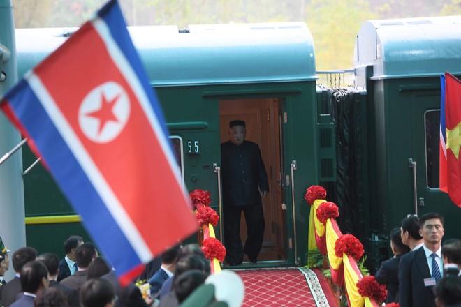 Chủ tịch Triều Tiên Kim Jong-un chọn đi tàu hỏa đến Việt Nam để thể hiện lòng tự hào dân tộc - Ảnh 8.
