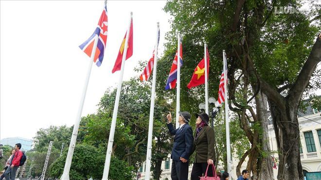 Người Hà Nội gửi thông điệp hoà bình trước thượng đỉnh Mỹ - Triều - Ảnh 1.