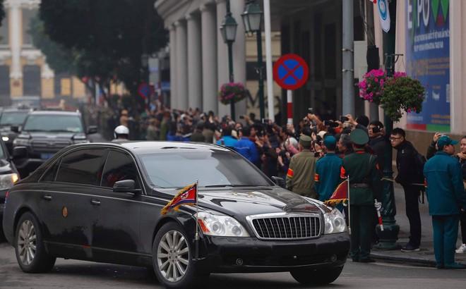 Lần đầu lộ diện tại Việt Nam, siêu xe Mercedes-Maybach 62S mới nhất của ông Kim Jong-un có gì đặc biệt?