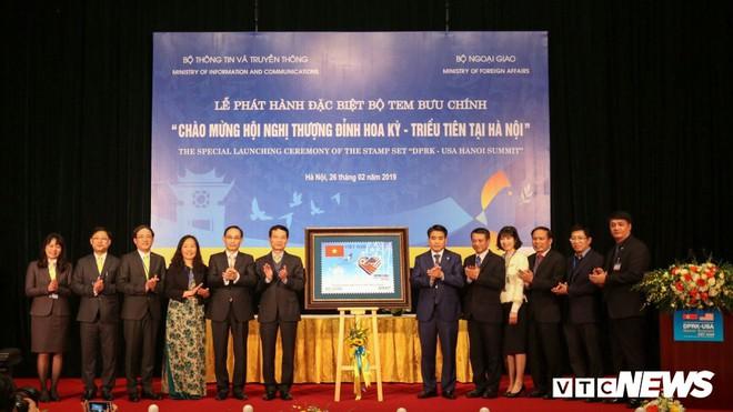 Phát hành bộ tem đặc biệt Chào mừng Hội nghị Thượng đỉnh Hoa Kỳ - Triều Tiên tại Hà Nội - Ảnh 2.