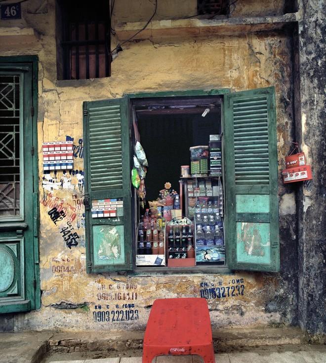 Hà Nội 36 phố phường chụp suốt 30 năm từng xuất hiện trên báo Anh - Ảnh 14.