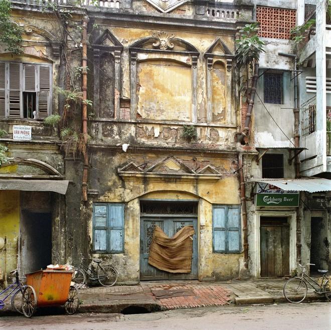 Hà Nội 36 phố phường chụp suốt 30 năm từng xuất hiện trên báo Anh - Ảnh 8.