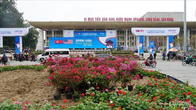 Người Hà Nội gửi thông điệp hoà bình trước thượng đỉnh Mỹ - Triều - Ảnh 9.