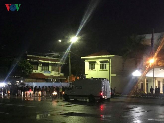 Túc trực thâu đêm đón Chủ tịch Kim Jong-un tại Ga Đồng Đăng - Ảnh 10.