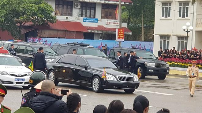 Lần đầu lộ diện tại Việt Nam, siêu xe Mercedes-Maybach 62S mới nhất của ông Kim Jong-un có gì đặc biệt? - Ảnh 1.