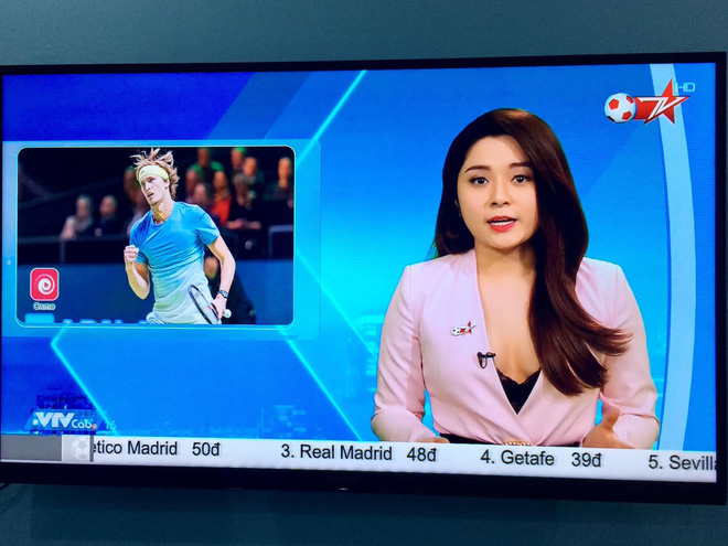 BTV truyền hình Việt gây sốc với trang phục quá gợi cảm khi dẫn chương trình - Ảnh 2.