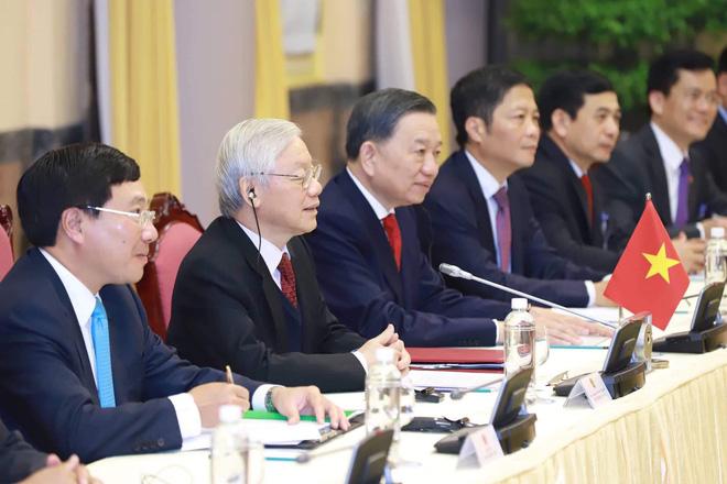 [ẢNH] Toàn cảnh cuộc hội đàm của Tổng thống Mỹ Donald Trump và Tổng Bí thư, Chủ tịch nước Nguyễn Phú Trọng - Ảnh 11.