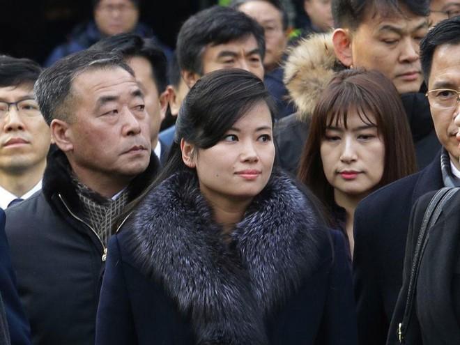 Nữ ca sĩ nổi tiếng Triều Tiên tháp tùng Chủ tịch Kim Jong Un tới Việt Nam quyền lực cỡ nào? - Ảnh 5.