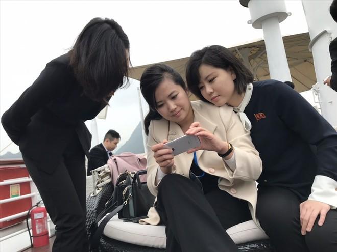 Nữ ca sĩ nổi tiếng Triều Tiên tháp tùng Chủ tịch Kim Jong Un tới Việt Nam quyền lực cỡ nào? - Ảnh 3.