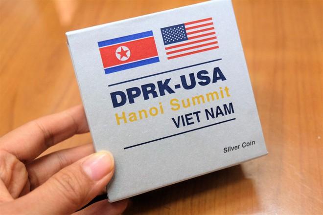 Nghỉ làm, xếp hàng 5 tiếng để mua xu bạc kỉ niệm Hội nghị thượng đỉnh Mỹ - Triều Tiên 2019 - Ảnh 9.