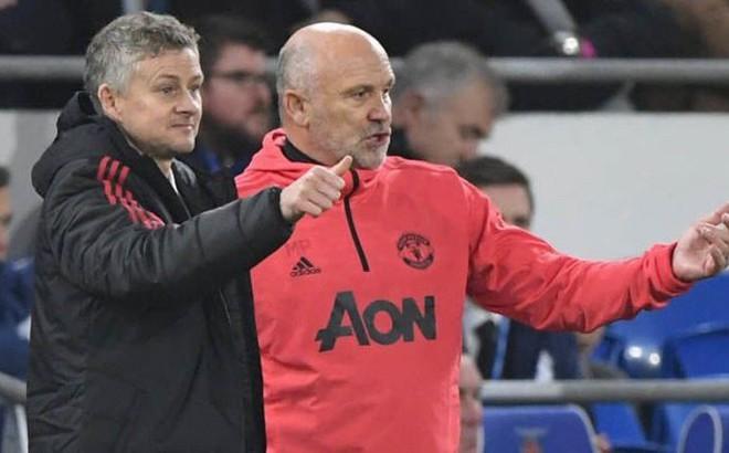 """""""Quân sư"""" khiêm nhường đứng sau thành công của Solskjaer tại Man United"""