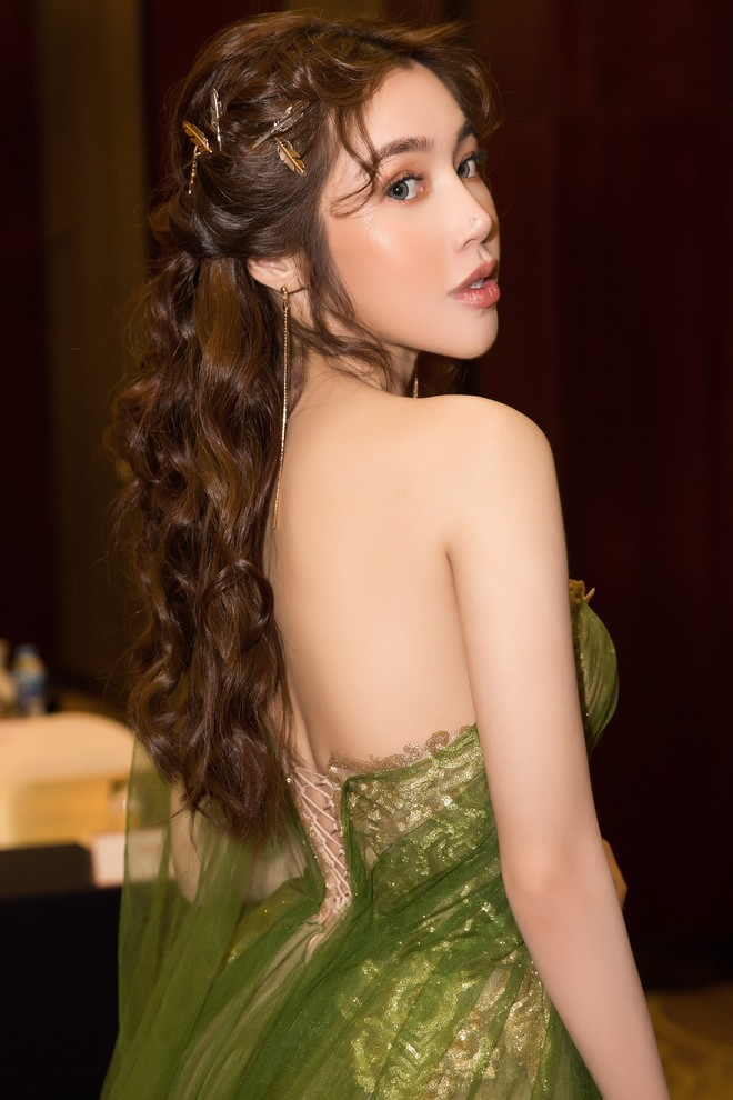 Elly Trần khoe vẻ nóng bỏng khi giảm 3kg, tiết lộ sắp tái xuất showbiz - Ảnh 6.