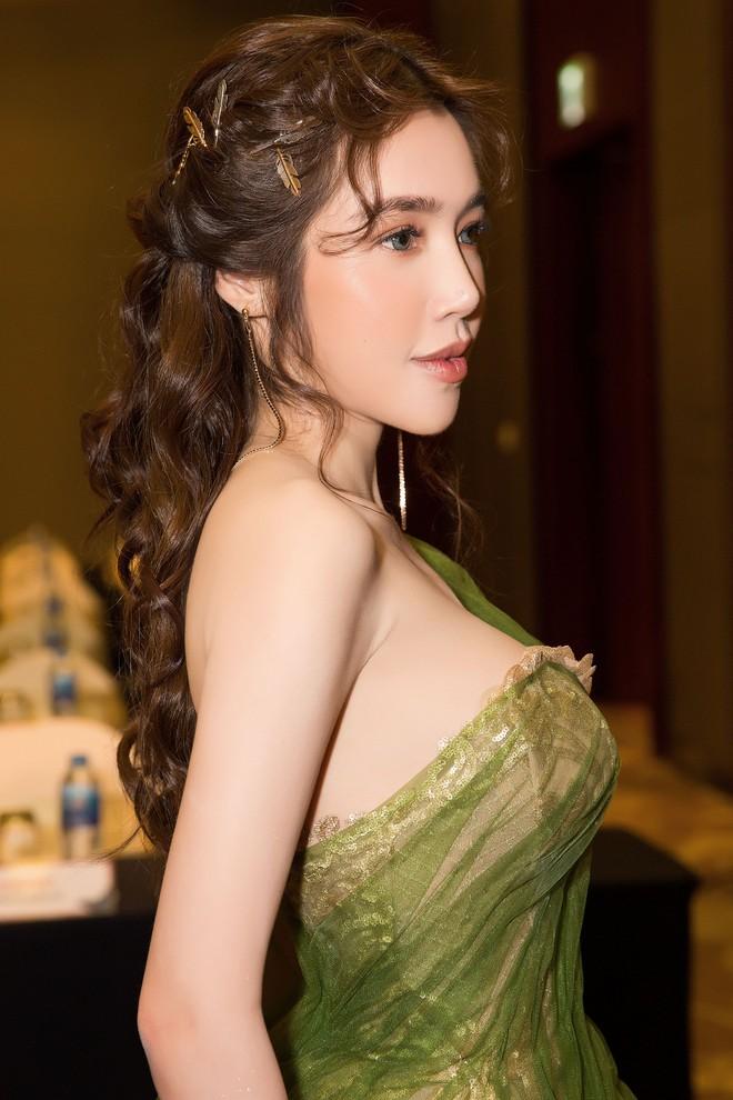 Elly Trần khoe vẻ nóng bỏng khi giảm 3kg, tiết lộ sắp tái xuất showbiz - Ảnh 8.
