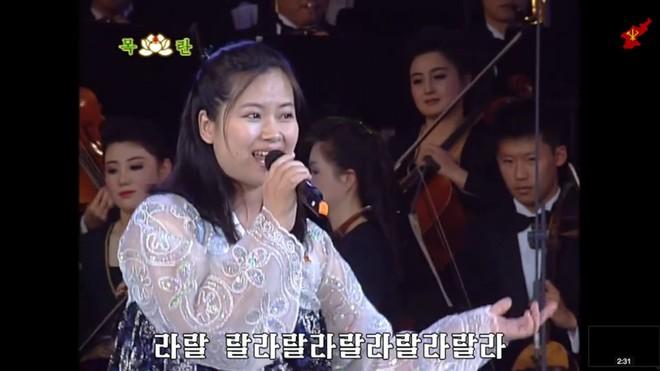 Nữ ca sĩ nổi tiếng Triều Tiên tháp tùng Chủ tịch Kim Jong Un tới Việt Nam quyền lực cỡ nào? - Ảnh 4.