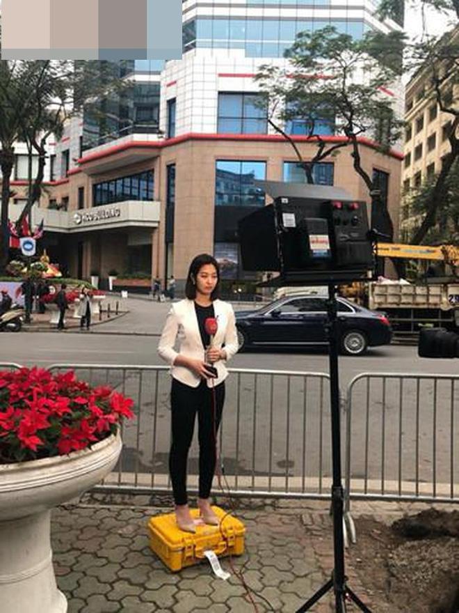 Cận cảnh nhan sắc các BTV, MC quốc tế gây sốt khi tác nghiệp tại Việt Nam vài ngày qua - Ảnh 7.