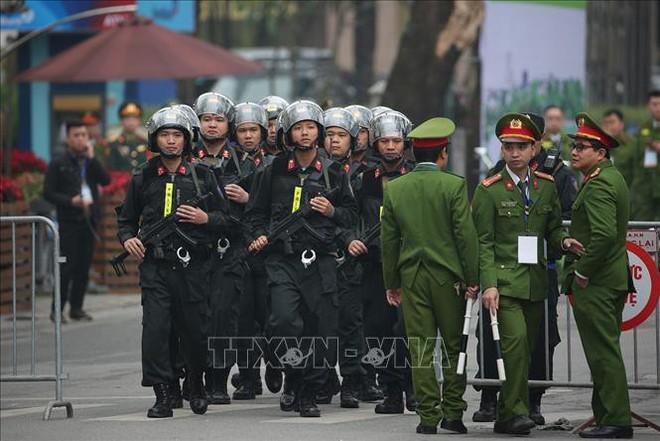 Chủ tịch Triều Tiên Kim Jong-un luôn được bảo vệ nghiêm ngặt ở cấp độ cao nhất - Ảnh 4.