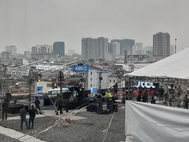 Không chỉ có MBC News, nhiều hãng thông tấn quốc tế cũng chọn được những địa điểm chất không kém ở Hà Nội để dẫn bản tin thời sự - Ảnh 4.