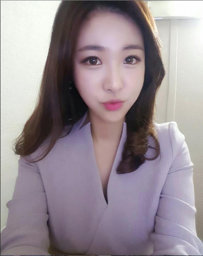 Nữ phóng viên Hàn gây sốt mạng xã hội: Vừa xinh đẹp vừa tài năng, từng thi Hoa hậu - Ảnh 9.