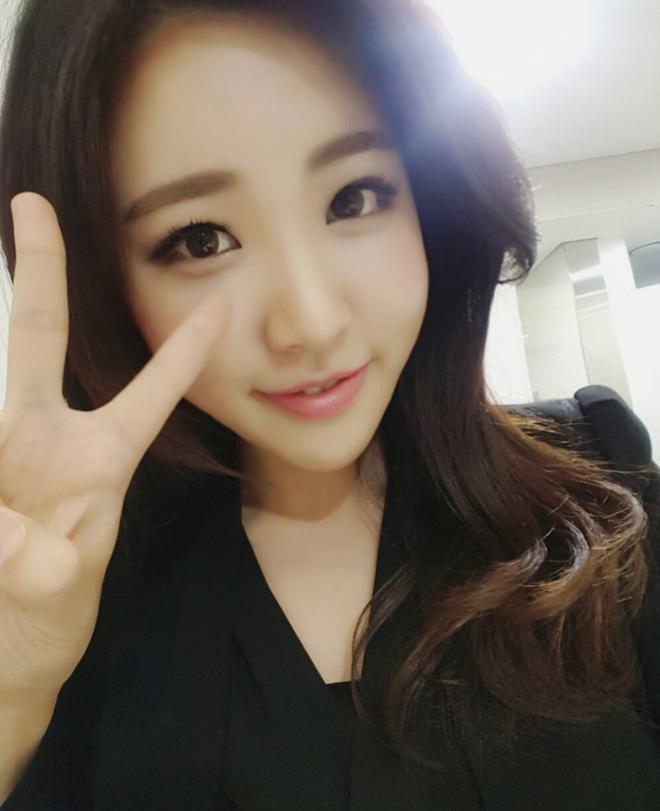 Nữ phóng viên Hàn gây sốt mạng xã hội: Vừa xinh đẹp vừa tài năng, từng thi Hoa hậu - Ảnh 14.