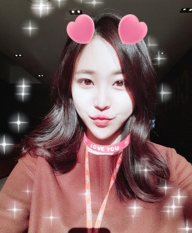 Nữ phóng viên Hàn gây sốt mạng xã hội: Vừa xinh đẹp vừa tài năng, từng thi Hoa hậu - Ảnh 13.