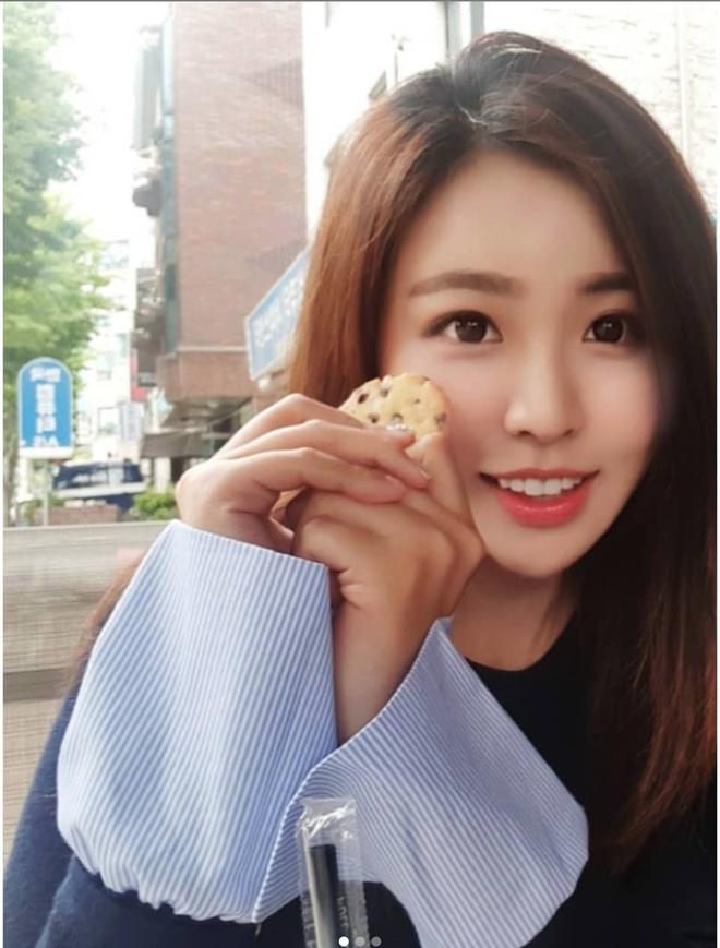 Nữ phóng viên Hàn gây sốt mạng xã hội: Vừa xinh đẹp vừa tài năng, từng thi Hoa hậu - Ảnh 8.