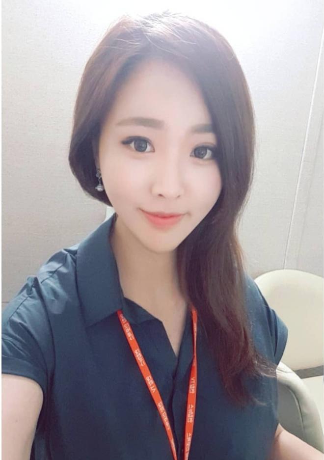 Nữ phóng viên Hàn gây sốt mạng xã hội: Vừa xinh đẹp vừa tài năng, từng thi Hoa hậu - Ảnh 7.