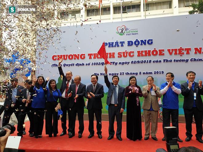 HLV Park Hang-seo: Bật mí 2 bí quyết đơn giản người Việt nên học để có sức khỏe tốt - Ảnh 1.