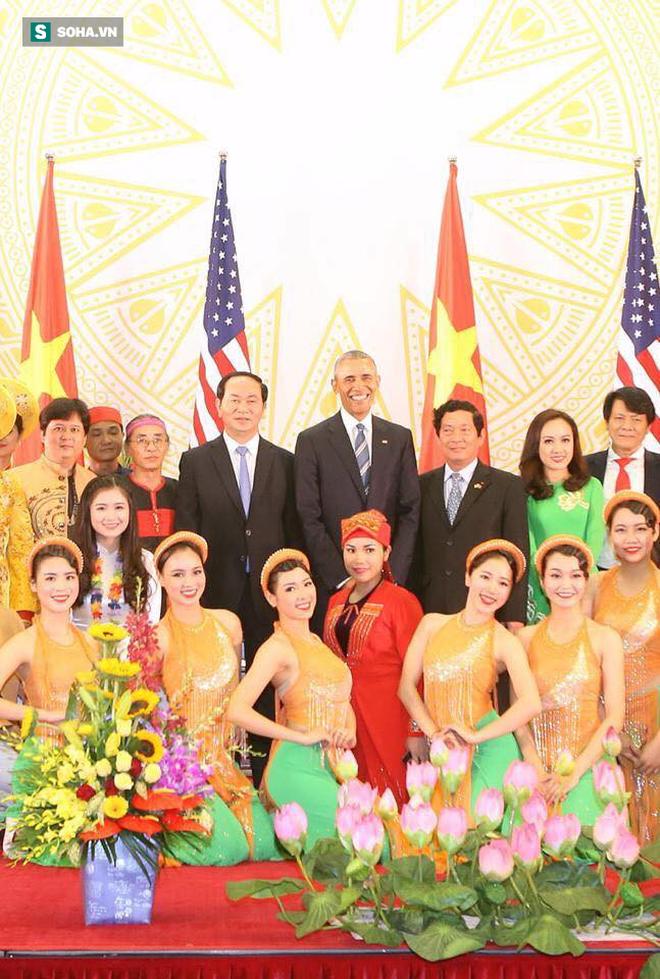 Nữ sinh Việt biểu diễn đàn cho cựu tổng thống Mỹ: Nhớ như in câu nói của ngài Obama lúc bắt tay! - Ảnh 3.