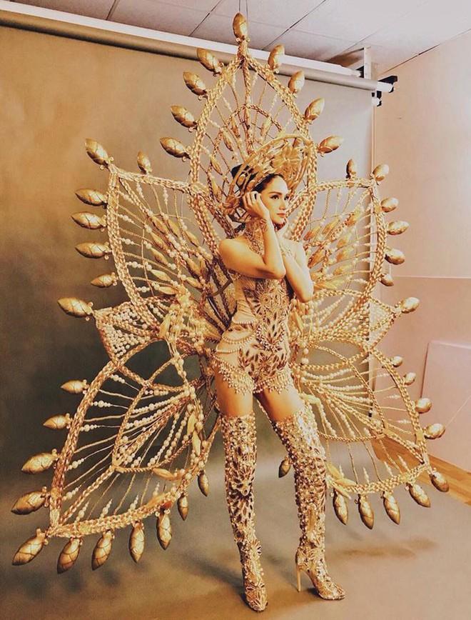 Trang phục gợi cảm, gây tranh cãi của đại diện Việt Nam tại Hoa hậu Chuyển giới - Ảnh 6.