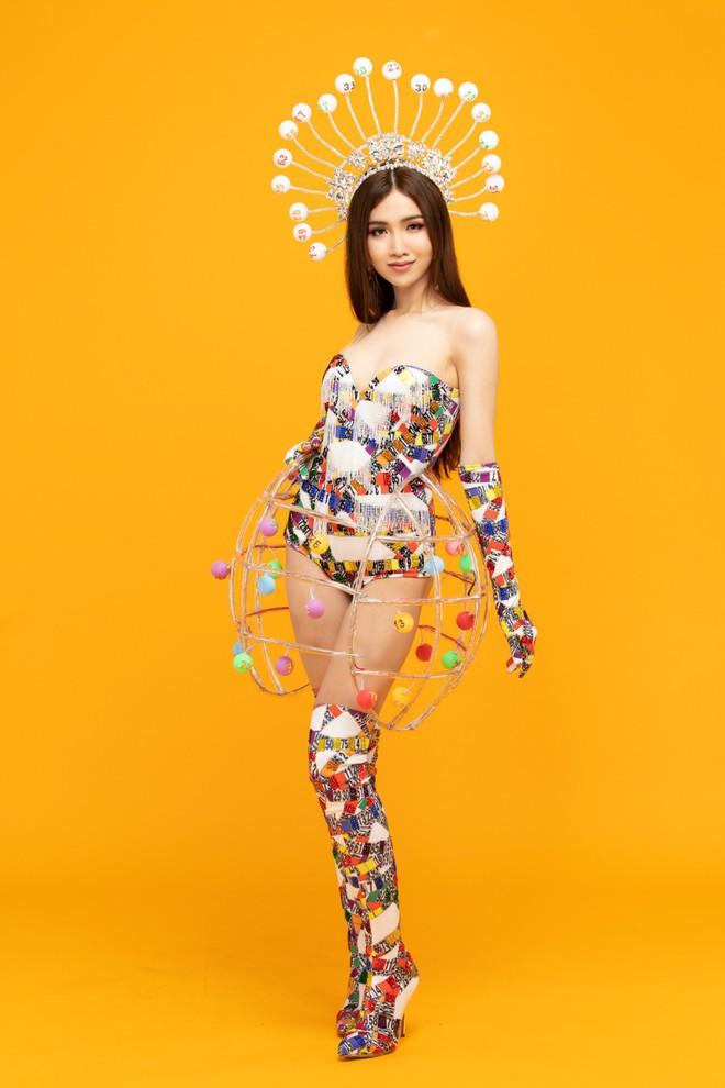 Trang phục gợi cảm, gây tranh cãi của đại diện Việt Nam tại Hoa hậu Chuyển giới - Ảnh 3.