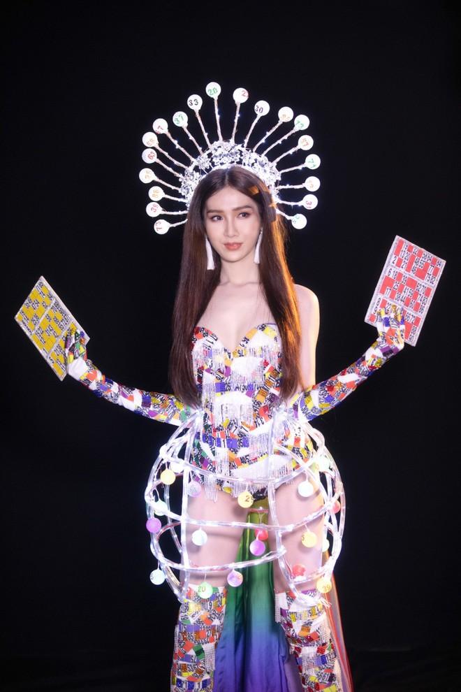 Trang phục gợi cảm, gây tranh cãi của đại diện Việt Nam tại Hoa hậu Chuyển giới - Ảnh 4.