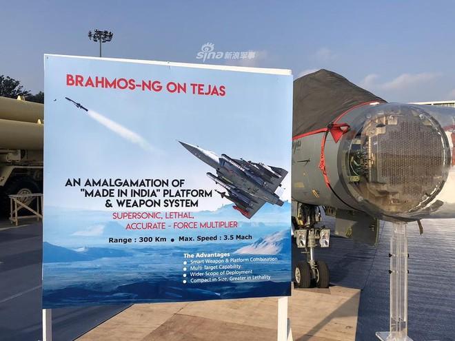 Ấn Độ gây choáng cho Trung Quốc khi tích hợp tên lửa BrahMos-NG lên tiêm kích LCA - Ảnh 12.