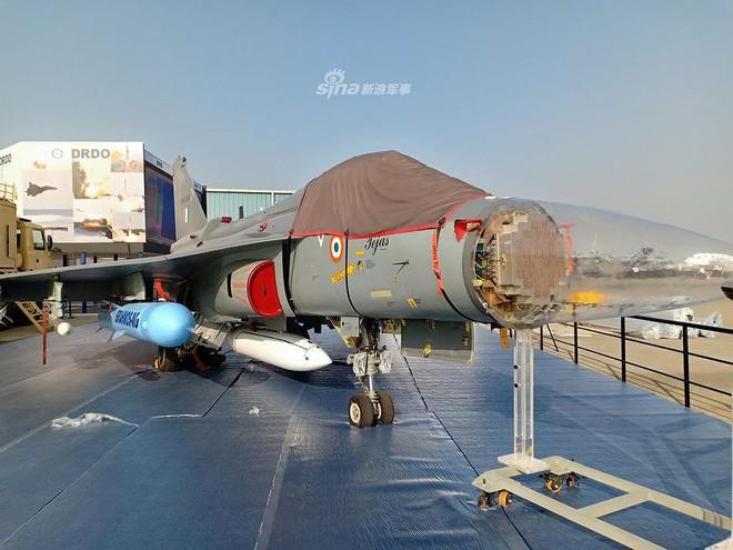 Ấn Độ gây choáng cho Trung Quốc khi tích hợp tên lửa BrahMos-NG lên tiêm kích LCA - Ảnh 13.