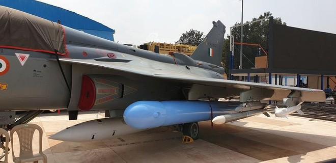 Ấn Độ gây choáng cho Trung Quốc khi tích hợp tên lửa BrahMos-NG lên tiêm kích LCA - Ảnh 14.