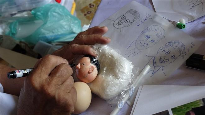 Thầy giáo tạo hình lãnh đạo Donald Trump và Kim Jong-un bằng vỏ trứng  - Ảnh 3.