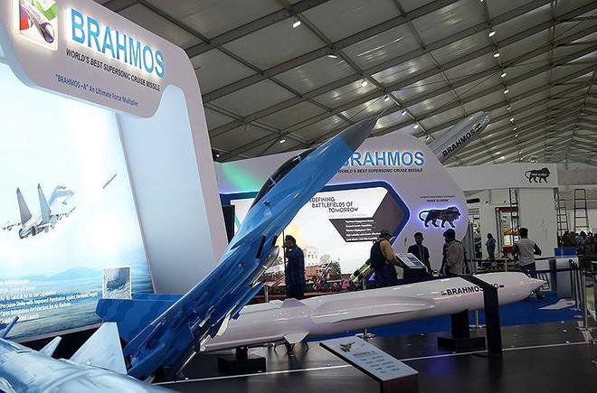 Ấn Độ gây choáng cho Trung Quốc khi tích hợp tên lửa BrahMos-NG lên tiêm kích LCA - Ảnh 6.