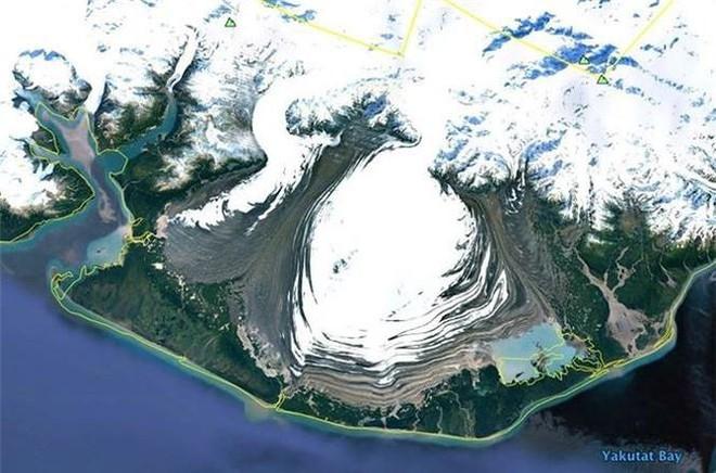 Bất ngờ với những bức ảnh thú vị tìm được trên Google Earth - Ảnh 7.