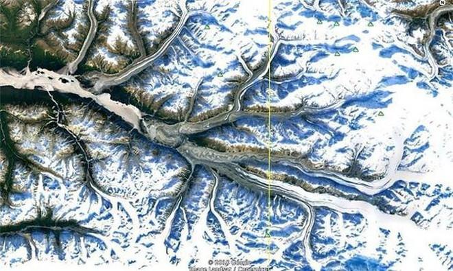 Bất ngờ với những bức ảnh thú vị tìm được trên Google Earth - Ảnh 9.