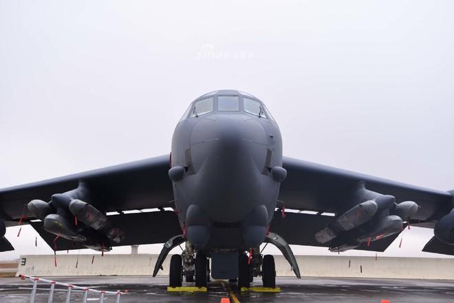 Siêu pháo đài bay B-52 Mỹ tiếp tục gây choáng với số lượng cực lớn tham gia tập trận - Ảnh 2.