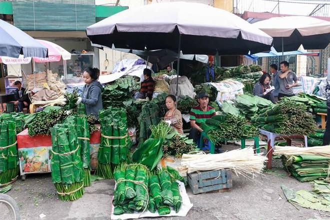 Chợ lá dong lâu đời nhất Thủ đô đìu hiu ngày cận Tết - Ảnh 1.